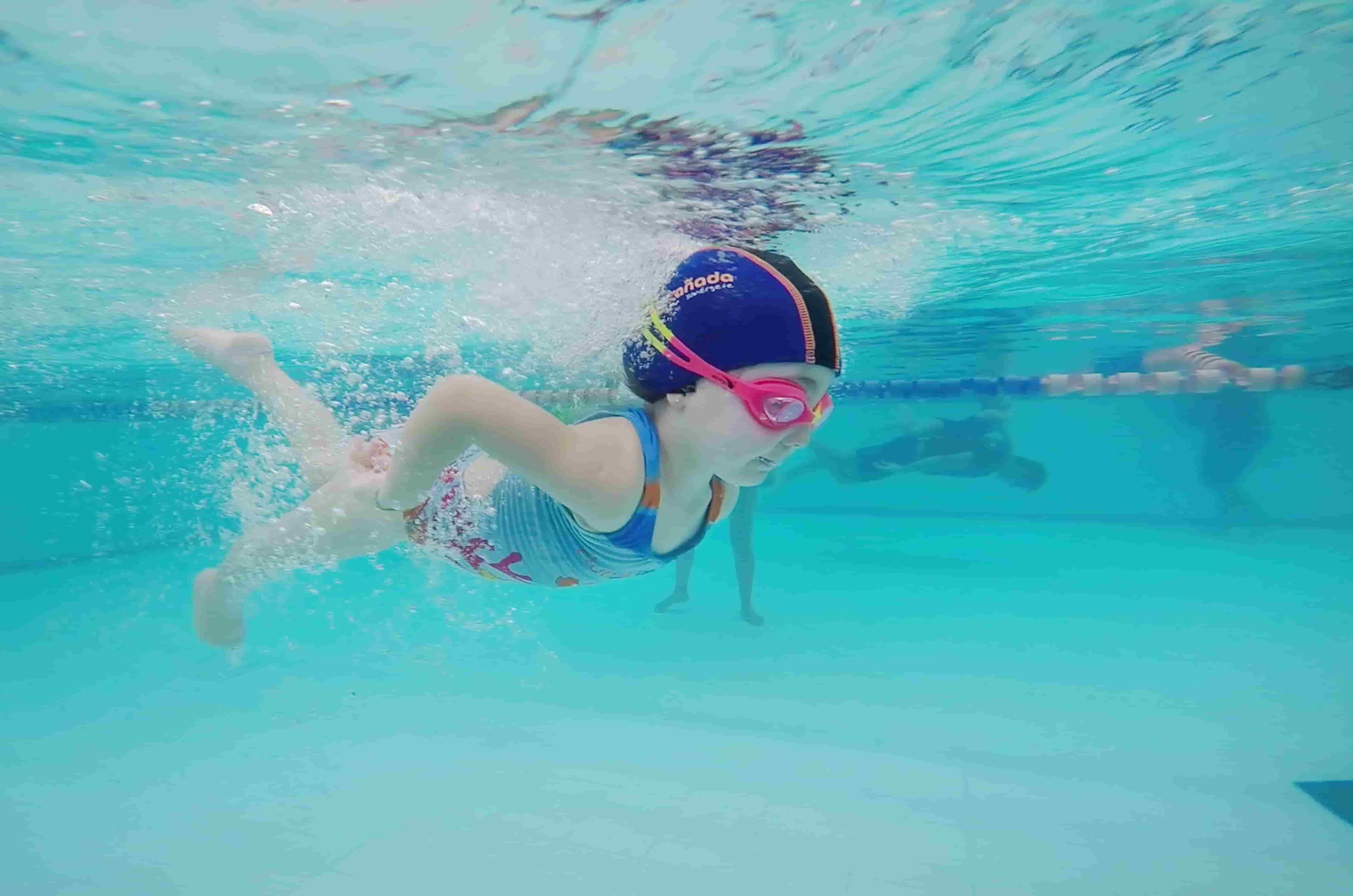 natacion-beneficios-niños