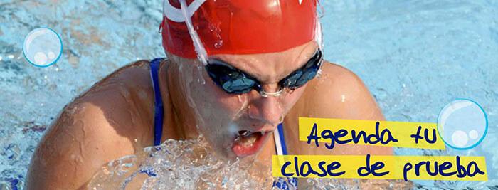 clase de natación para adultos