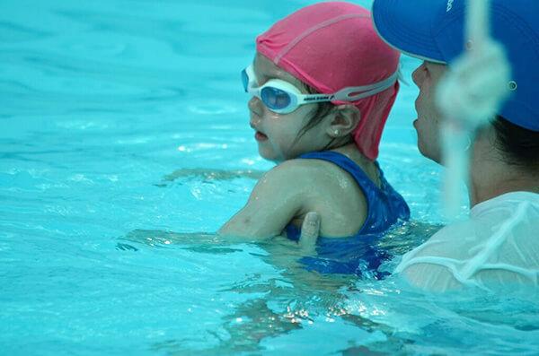 Ejercicios de natación para bebés