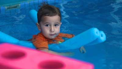 ¿Cuánto tiempo puedes tardar en aprender a nadar?