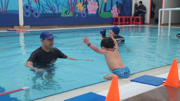 clases de natacion para principiantes club cañada