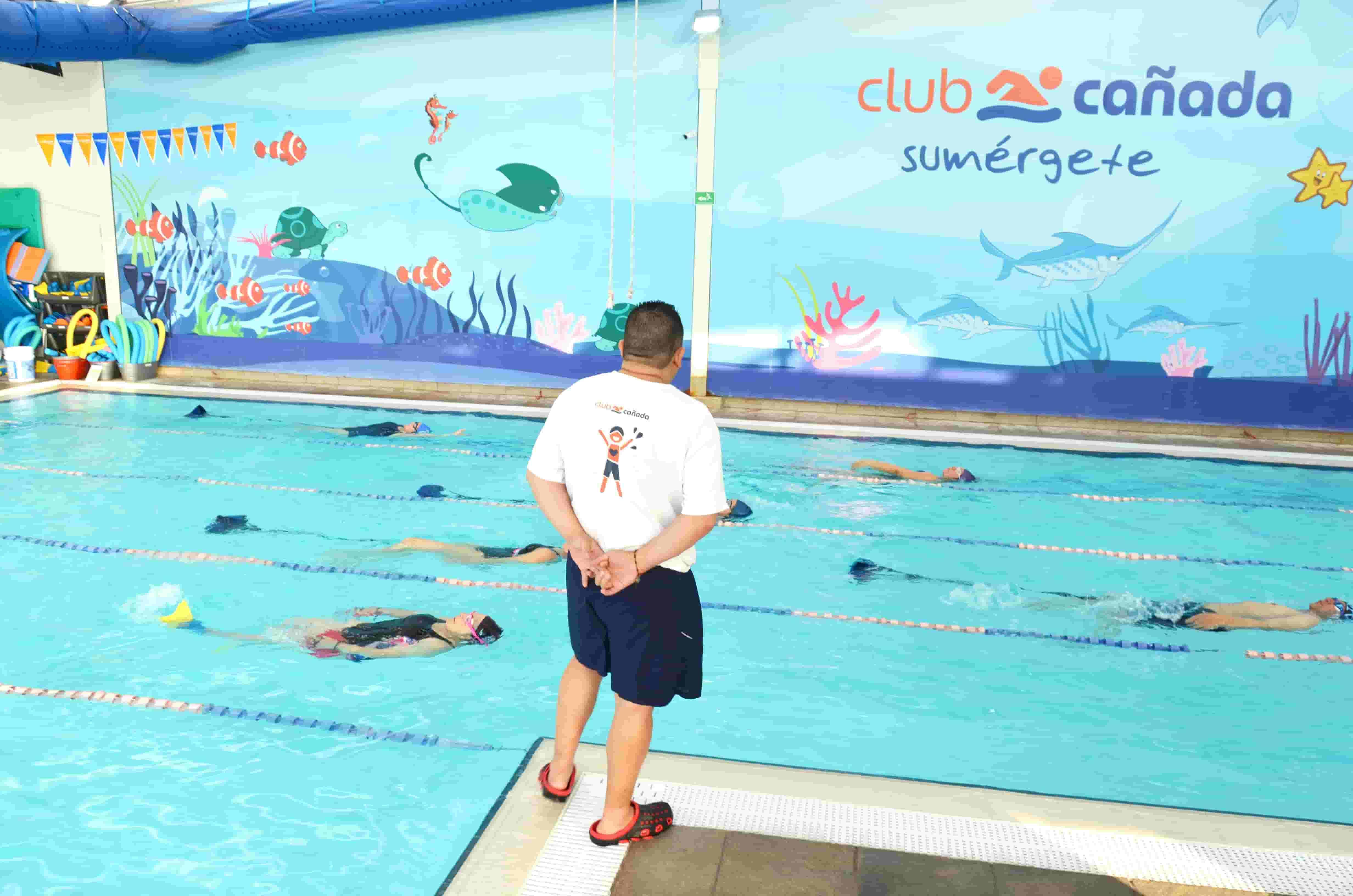 clases-de-natacion-para-adultos-mayores