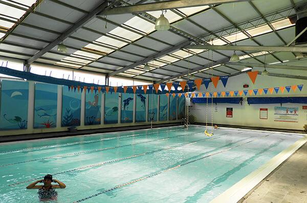 La importancia de la natación en invierno para los niños