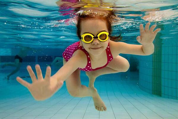 7 juegos para mantener la respiración en el agua