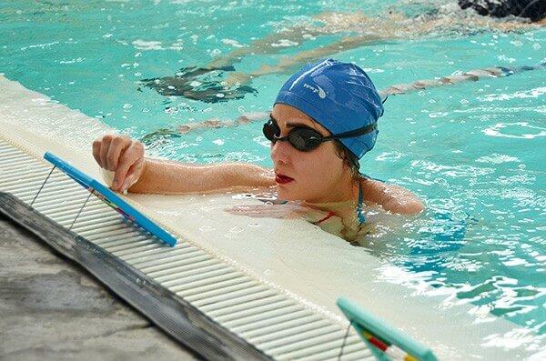 Clases de natación para adultos con miedo al agua